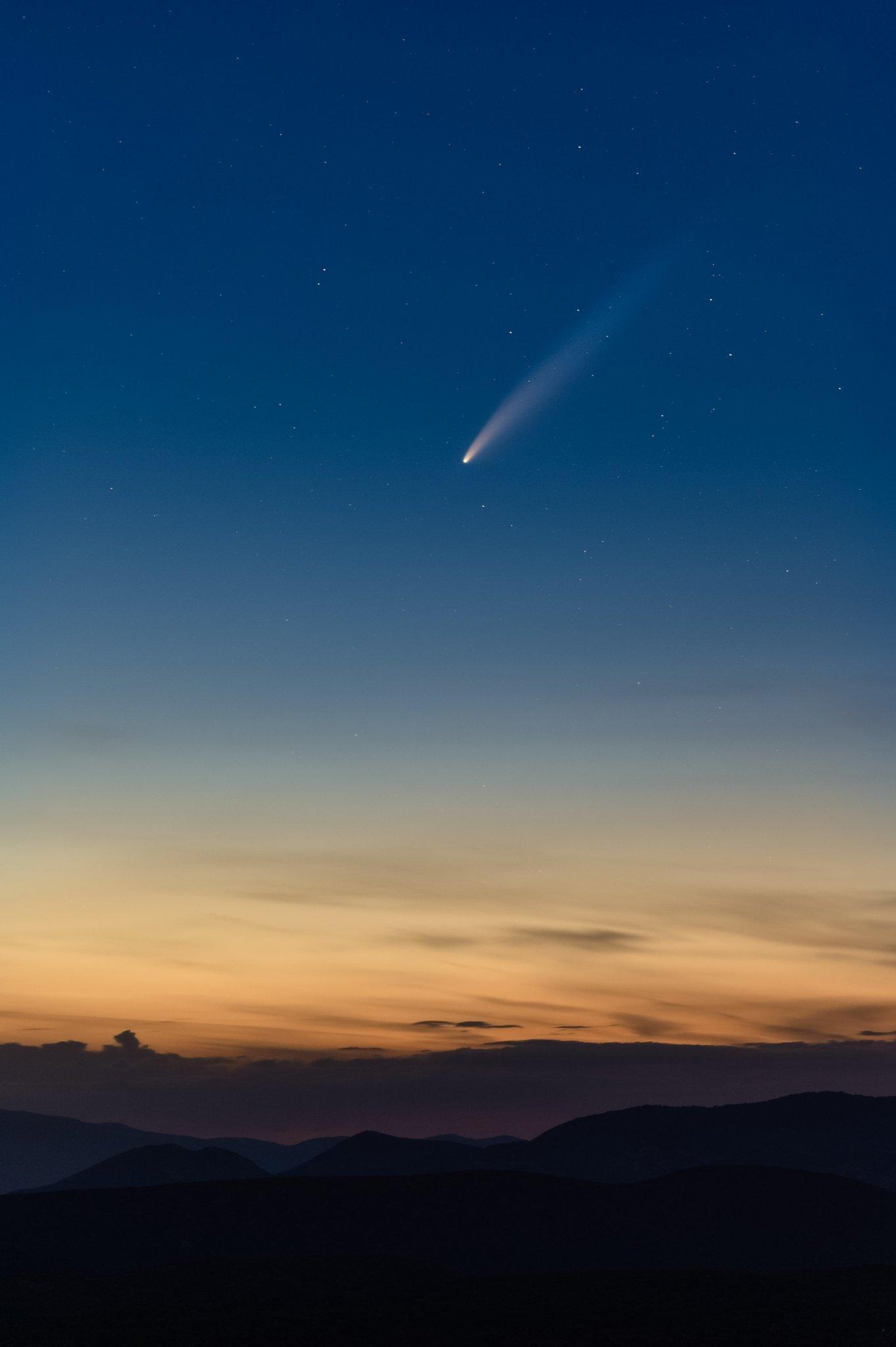 Comète C/2020 F3 NEOWISE prise en France en Juillet 2020.